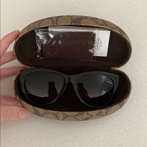 Coach Sunglasses New Never Been Worn